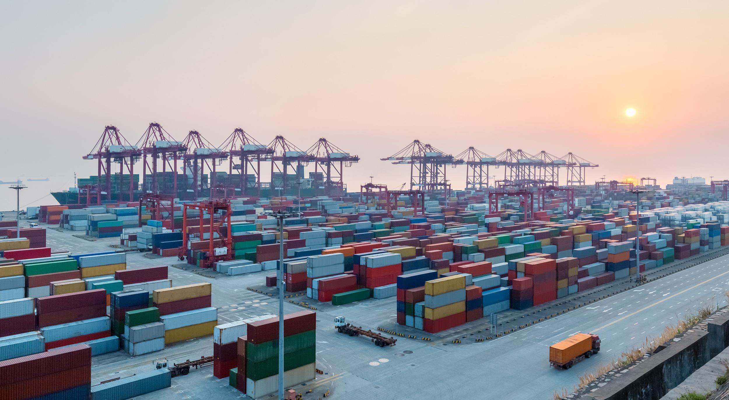 Shipping-Logistics-2500